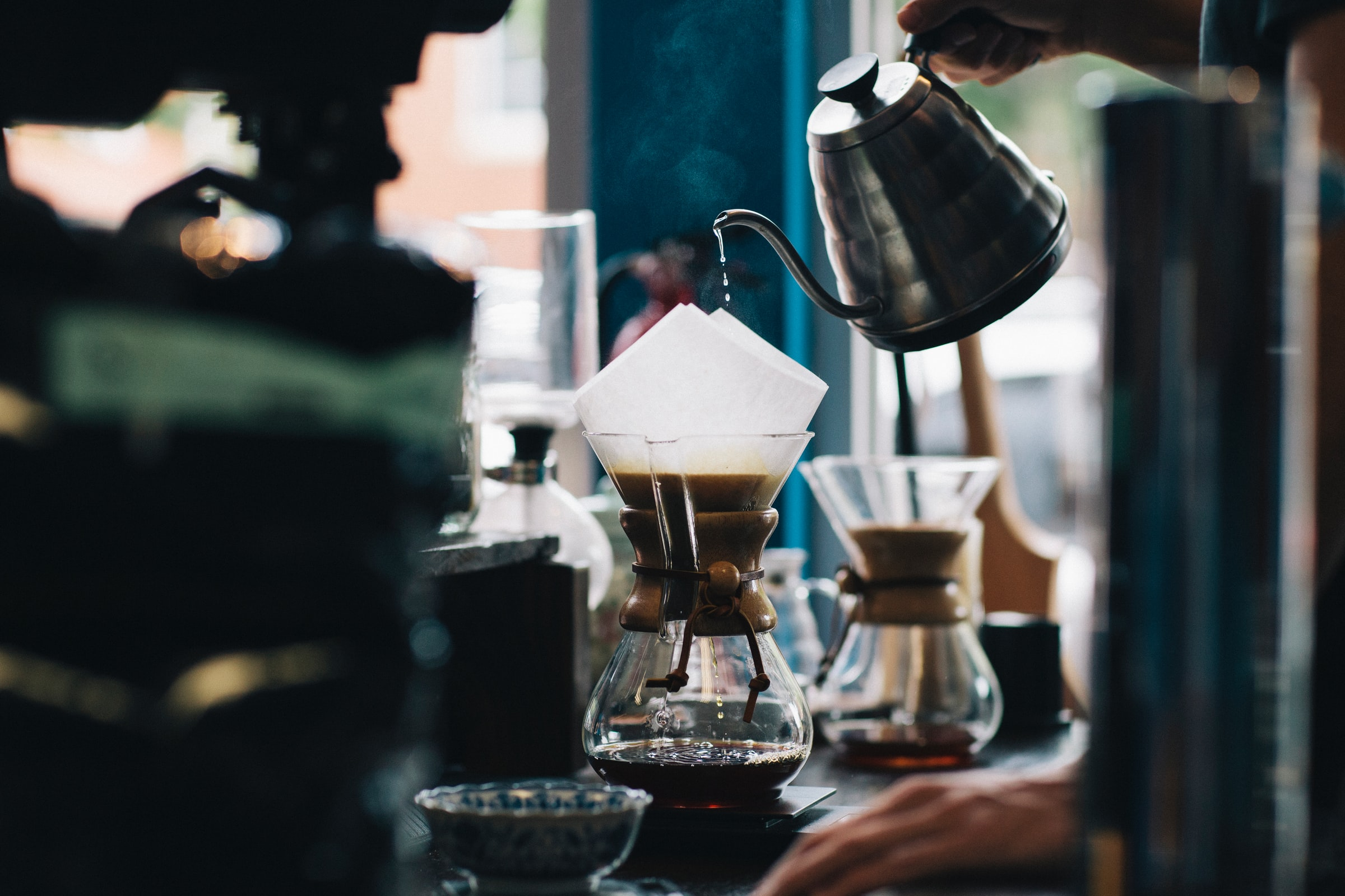 pour over coffee/coffee shop