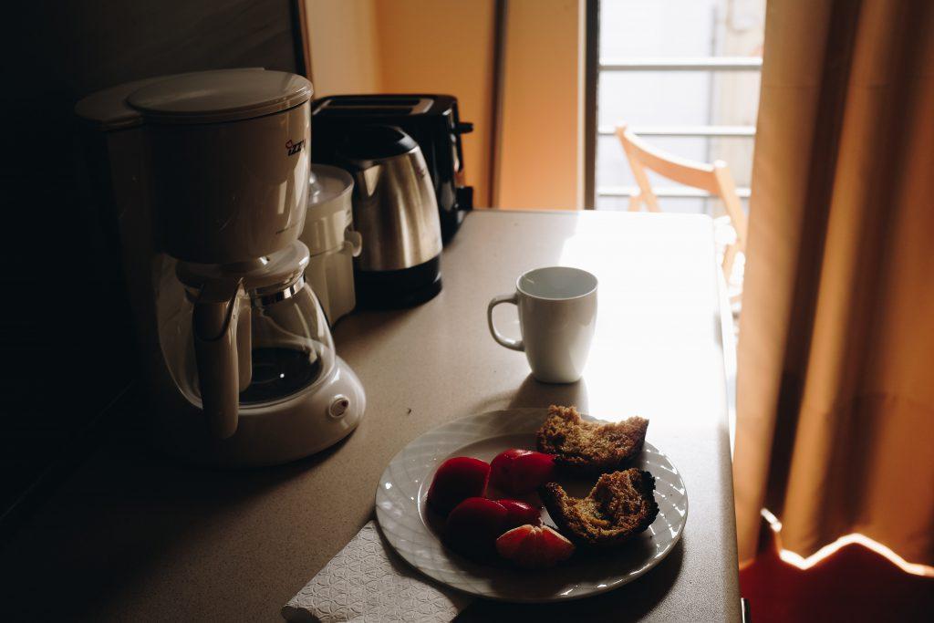 how to make coffee pot (automatic drip coffee)